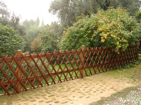 staccionata in legno per giardino recinzioni giardino verona recinzioni piscina