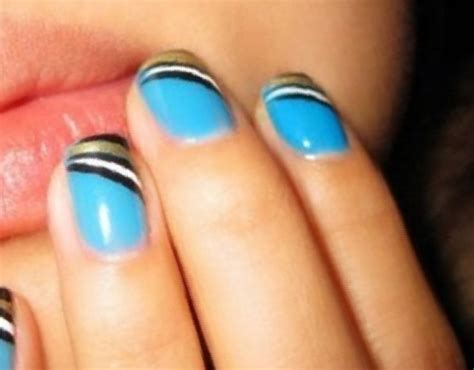 Simple Nail Paint Design by 29 Easy Designs To Paint On Nails Picsrelevant