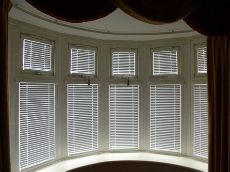 bay window shades 17 best images about window coverings on