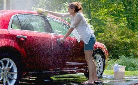 Semprotan Air Buat Cuci Mobil tips mencuci mobil yang tepat dan tidak buat cat buram