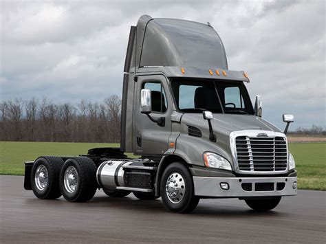 freightliner trucks cascadia specifications freightliner trucks