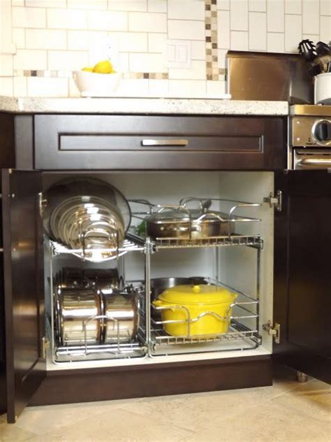 best kitchen cabinet cleaner akomunn com 17 best ideas about organizing kitchen cabinets on