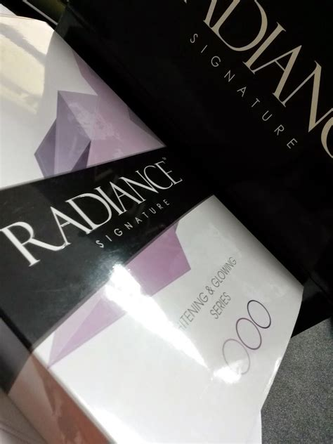 Collagen Radiance Signature she dazzle in own way radiance signature whitening glowing series review