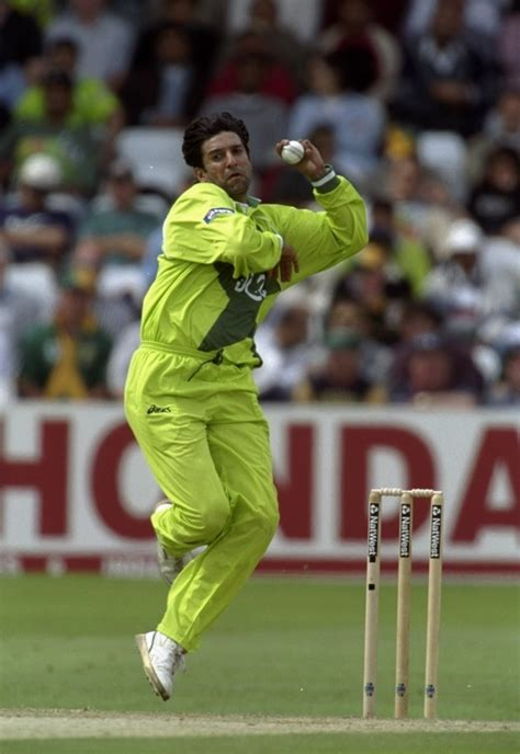 how to put the world s greatest hair buns with braids pakistan legend wasim akram wants his country s cricketers