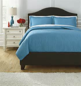 turquoise bedding sets queen raleda turquoise queen comforter set from ashley q495003q