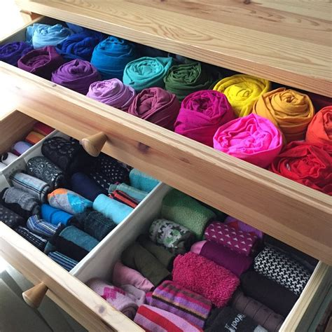 kondo organizing i am obsessed with organizing things by color are you