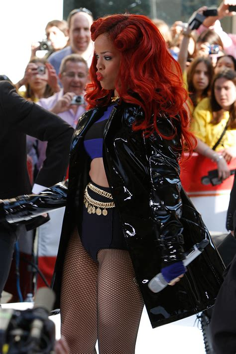 rihanna best celebrity bodies body image mental healthy