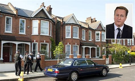 home daily mail david cameron slammed for earning 163 500k renting out his