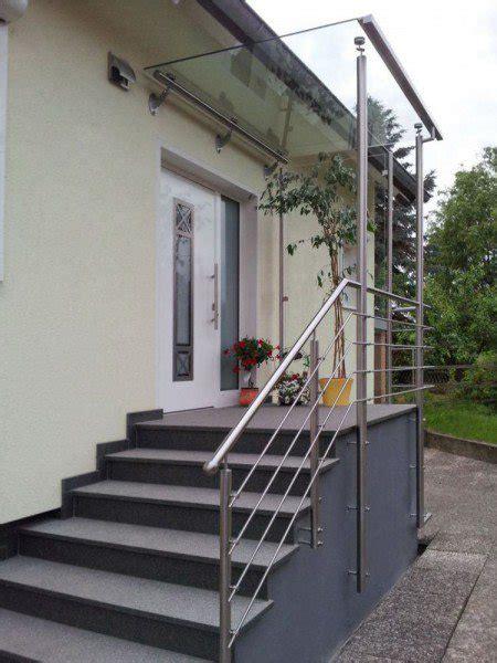glasgeländer günstig treppengel 228 nder mit vordach und seitlichem windschutz