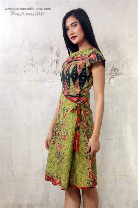 Dress Batik batik amarillis made in indonesia batik amarillis