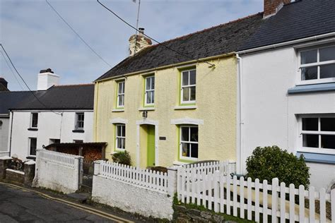 Cottages Newport Pembrokeshire by Character Cottage Newport Pembrokeshire 2212