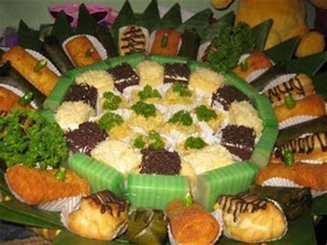 Kue Kue Sajian Pesta Sedap kue paket meeting mix manis gurih kue basah aneka kue tradisional untuk meeting arisan
