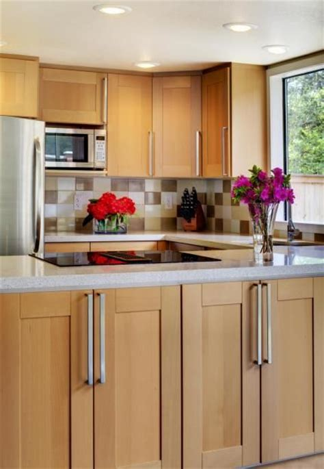 maple cabinets with white countertops maple cabinets w white countertops kitchen pinterest