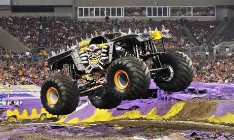 monster truck jam vancouver get your tix for monster jam at the dcu center on fri sat