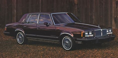 how do i learn about cars 1985 pontiac parisienne parking system 1985 pontiac bonneville information and photos momentcar