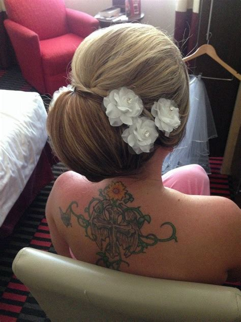 Wedding Hairstyles How To Do Them by 30 Wedding Hairstyles And What You Need To Achieve Them