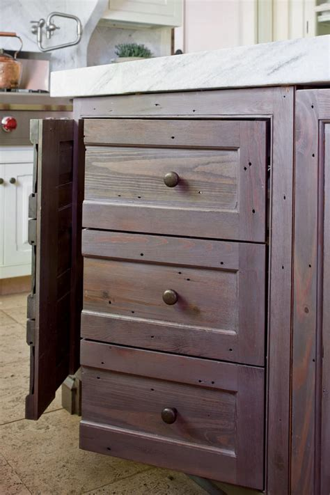 painting kitchen cabinets 11 must know tips painting kitchen cabinets 11 must know tips