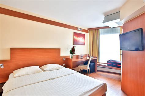 standard size of comfort room standard rooms star inn hotel regensburg zentrum comfort