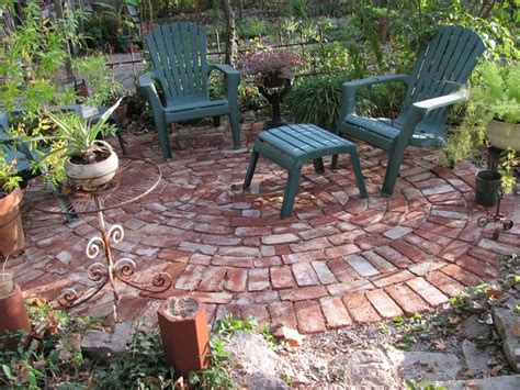 Backyard Masonry Ideas 25 Best Ideas About Brick Patios On Brick