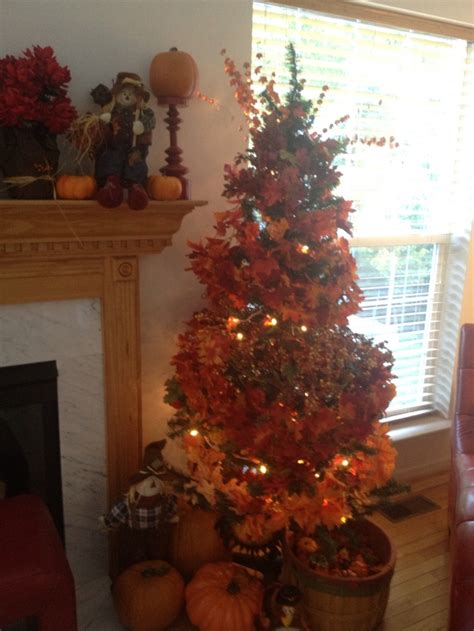 decorate a christmas tree with fall leaves extras