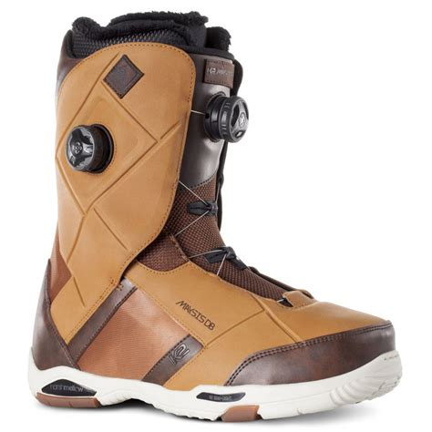 best snowboard boots top gun the 2 award winning snowboard boots of 2015