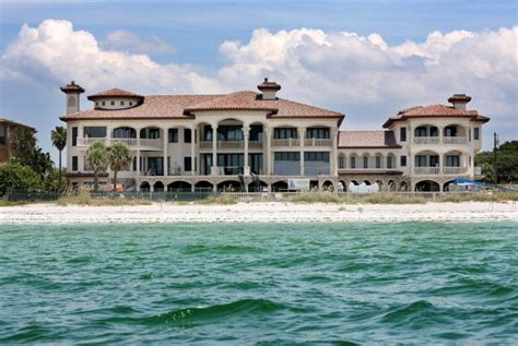 ryan howard house 15 extraordinary mansions owned by mlb players
