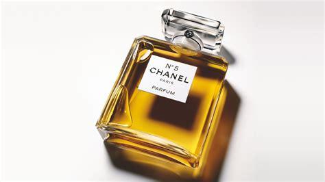 Parfum N5 Chanel choosing between the types of fragrances for