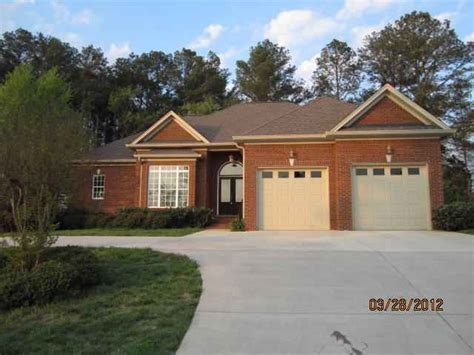 5682 avenwood cir nw cleveland tennessee 37312