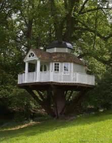 awesome tree houses 169 creative ideas awesome tree house