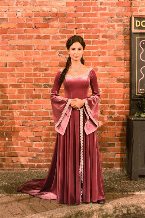 naura dress emmaqueen 115 best images about once upon a time dresses on