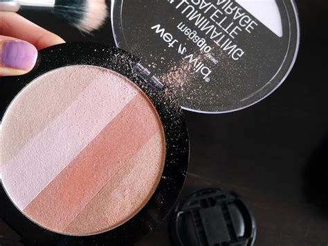 N Megaglo Illuminating Palette In Catwalk Pink cheeks by wetnwild ft megaglo contouring and