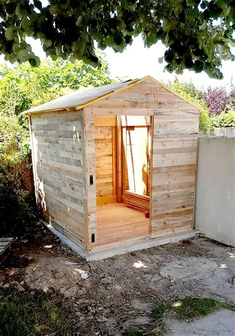 Shed Built Out Of Pallets by Pallet Garden Shed Or Cabin