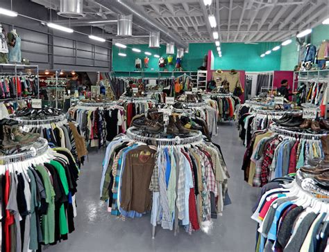 Beacons Closet Bk by Find The Best Vintage Clothes At These Thrift Shops