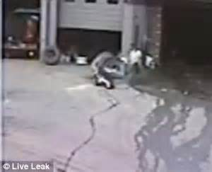 Tire Blowing Up In Exploding Tire New Jersey Mechanic S