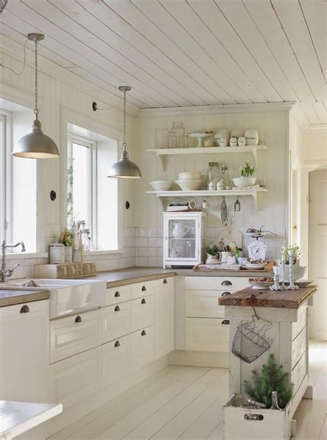 all white cozy farmhouse kitchen ideas image 4