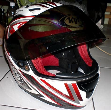 Kaca Helm Kyt Warna Hitam Dijual Kyt Racing Helmet Ukuran Xl Murah