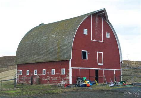 scheune pultdach curved roof barn landscape rural photos don slackwater