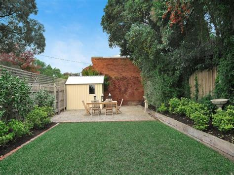 photo   landscaped garden design   real australian