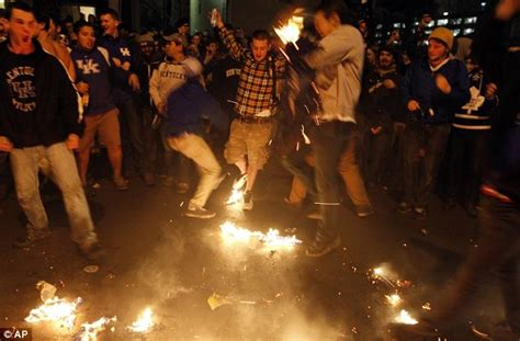 big fans lexington ky kentucky fans riot after ncaa final and uconn students