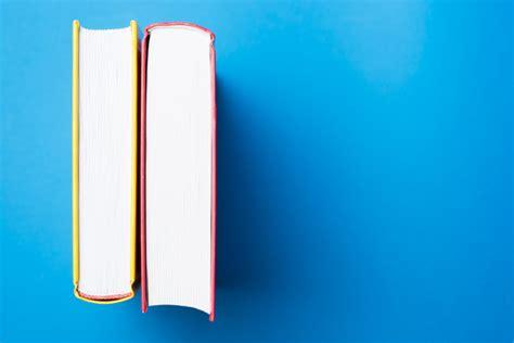 con vista libro vista superior de dos libros verticales descargar fotos