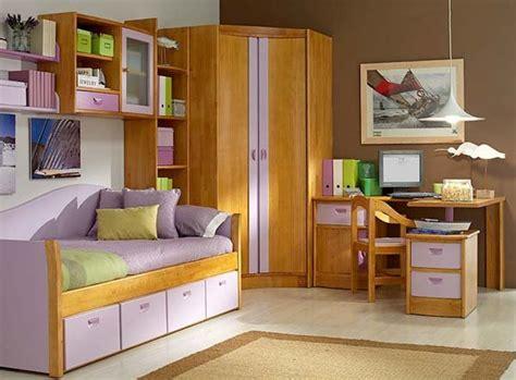 como decorar una cama en esquina muebles modulares para el dormitorio infantil mi casa