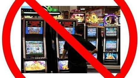 ufficio anagrafe gorizia raccolta firme contro slot machine