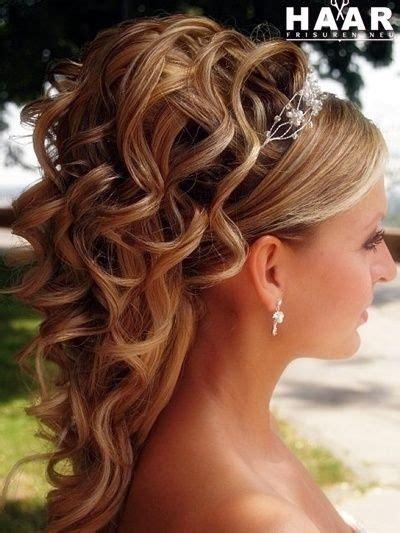 Hochsteckfrisuren Schulterlange Haare Hochzeit by Hochsteckfrisuren Schulterlange Haare Hochzeit