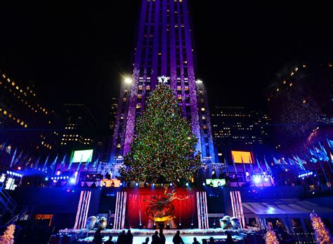 York Lighting by Rockefeller Center Tree Lights Up New York City