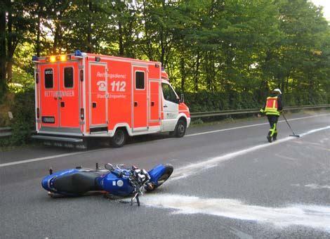 Motorradunfall L 150 by Feuerwehr K 246 Nigswinter