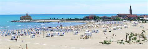 appartamenti caorle spiaggia levante hotel 3 stelle a caorle con piscina helen caorle