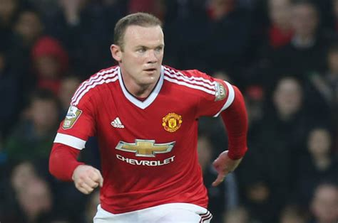 man utd bench line ups rooney on man united bench as payet and carroll