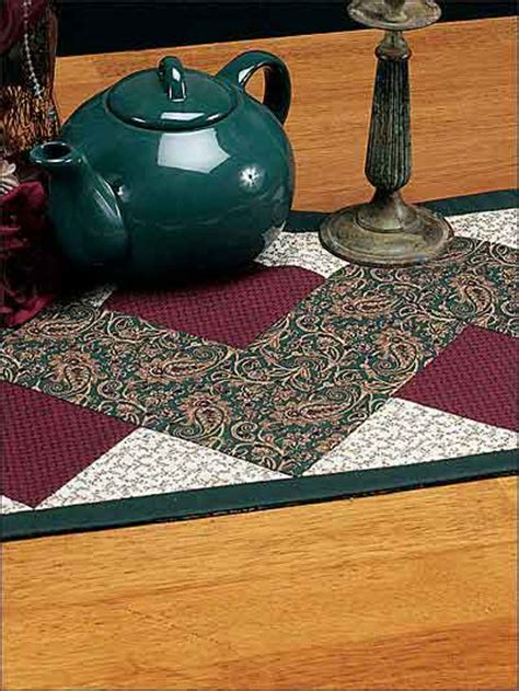 zig zag table runner quilting classics zig zag table runner quilting pattern