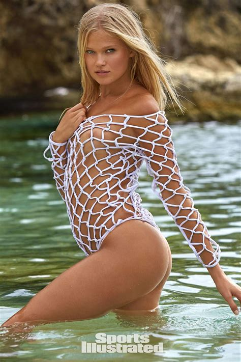 sports illustrated swimsuit 2017 vita sidorkina sports illustrated swimsuit 2017 16