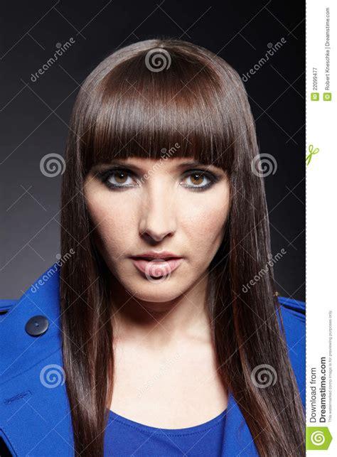 haircuts for women pageboy cut charlottetown donna con taglio di capelli del pageboy immagine stock
